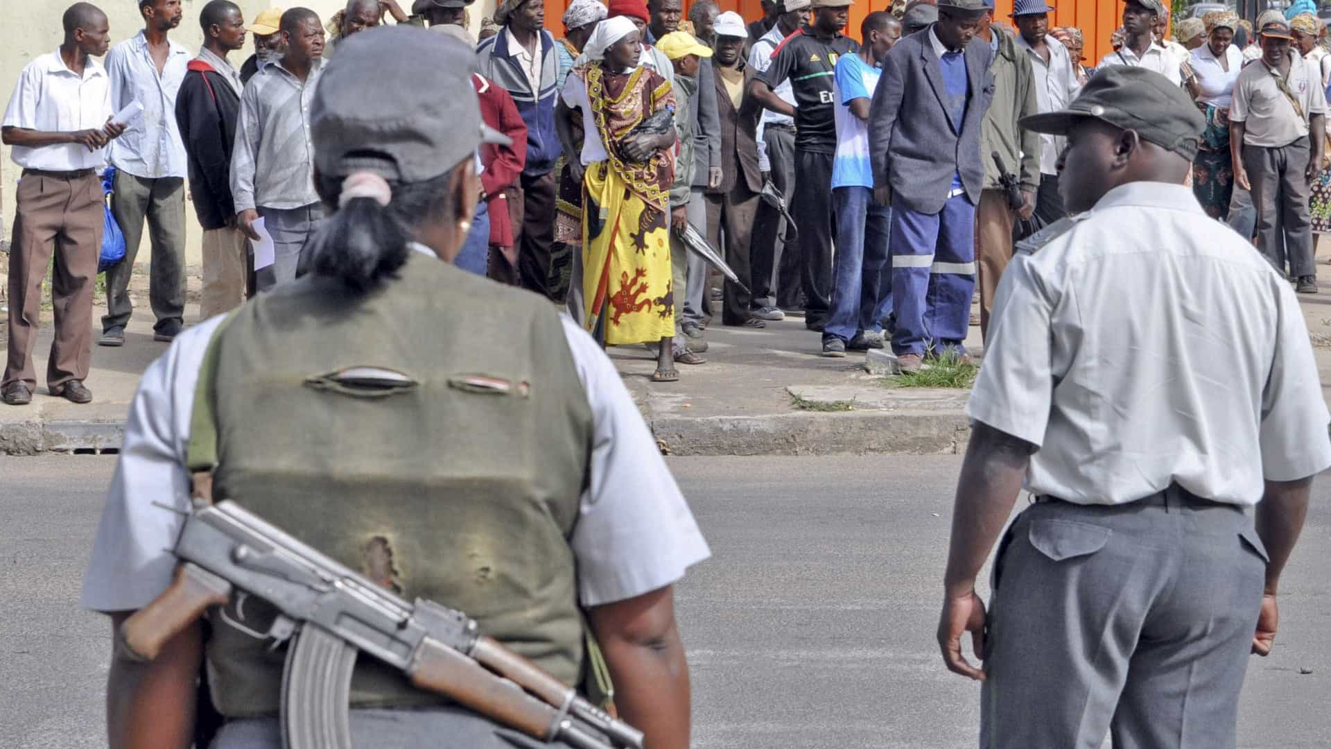 Polícia moçambicana detém mãe que envenenou filha após promover abusos