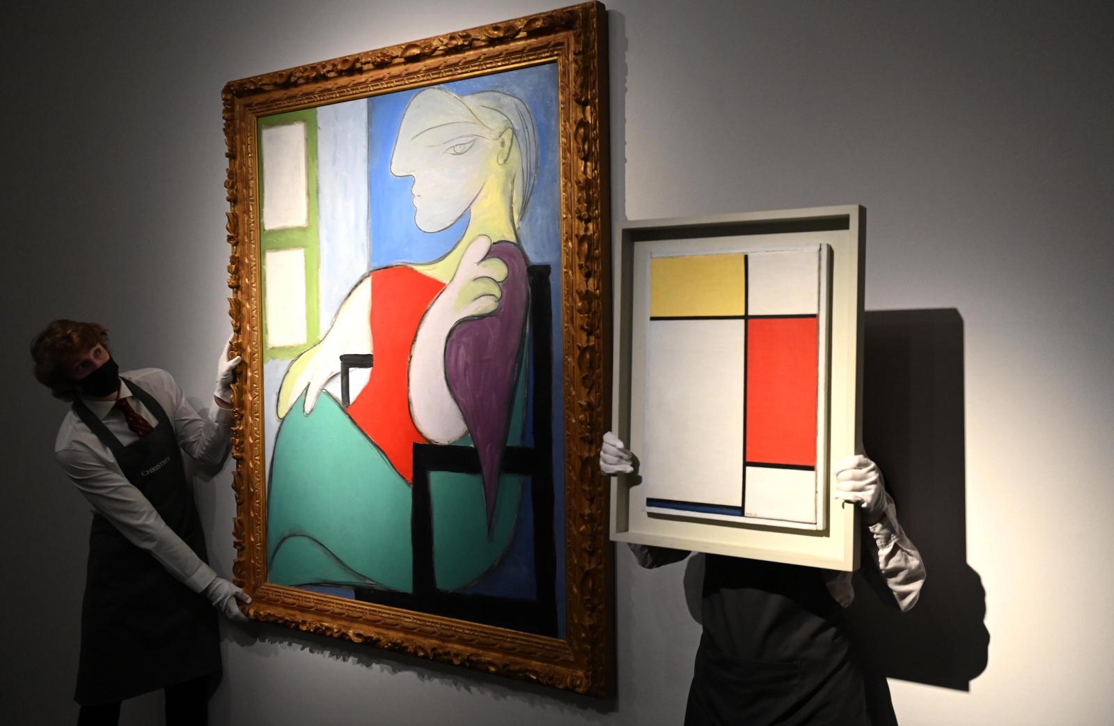"""Cultura: """"Mulher sentada junto a uma janela"""" de Pablo Picasso vendida em leilão por 85 milhões de euros"""
