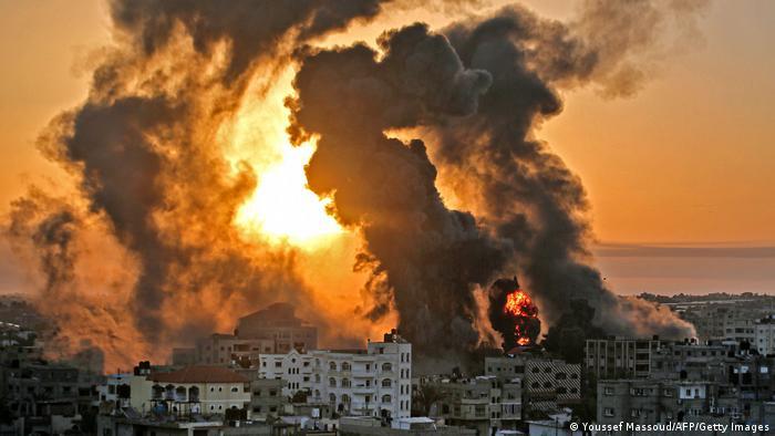 Médio Oriente: Aviões israelitas lançam novos ataques em Gaza. Já morreram 188 palestinianos, incluindo 55 crianças