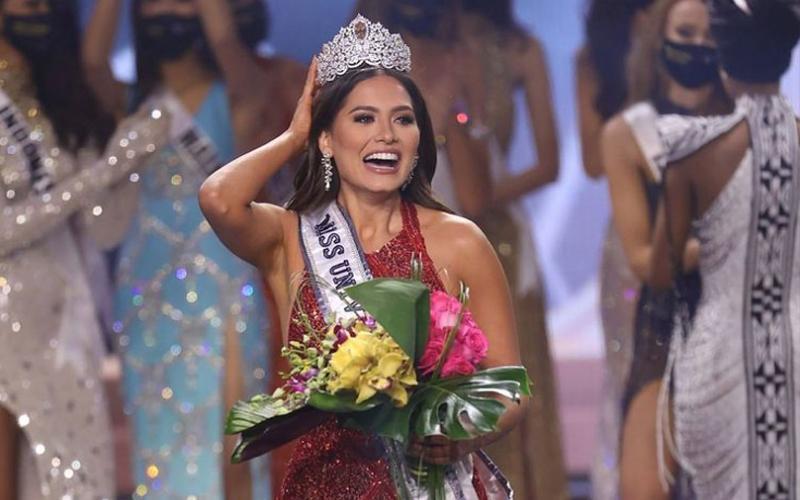 Famosos: Miss Universo envolvida em polémica dias depois de ser coroada