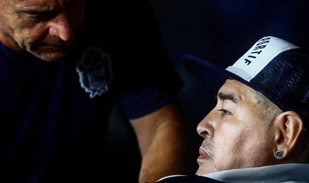 """Relatório conclui: Maradona morreu """"abandonado"""" após 12 horas de """"agonia"""""""