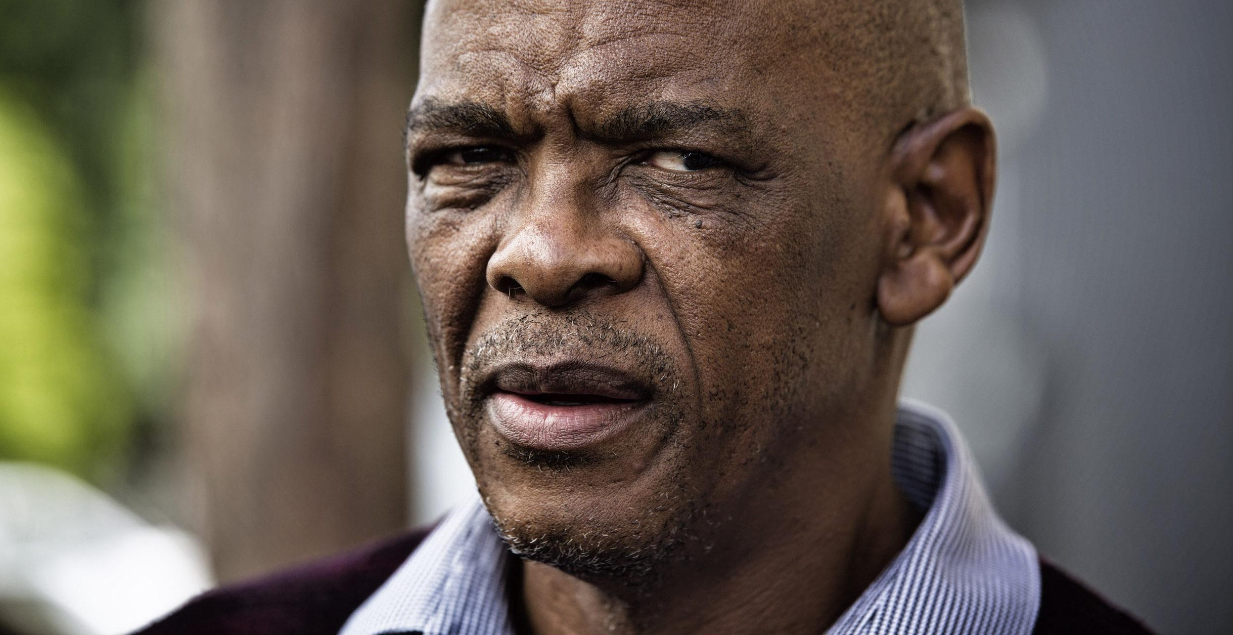 Congresso Nacional Africano suspende secretário geral suspeito de corrupção