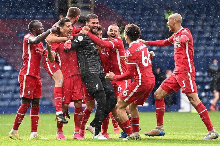 PREMIER LEAGUE:  Guardião brasileiro Alisson saiu da baliza e ofereceu a vitória ao Liverpool
