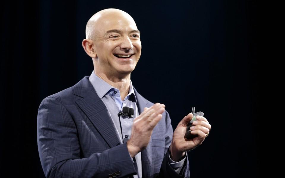 Tech: Mais de 41 mil pessoas assinaram petição para que Jeff Bezos não volte à Terra