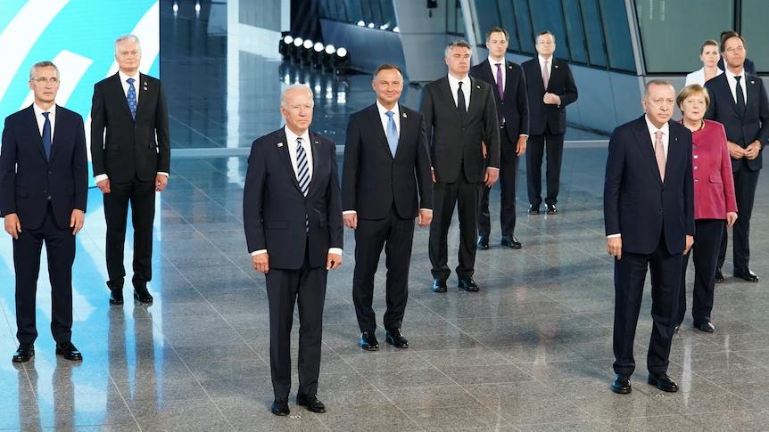 Mundo: OTAN afina posições e aponta baterias contra a Rússia e a China