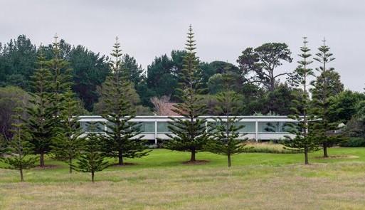 Garden House: Jardim, piscina e vista para o mar