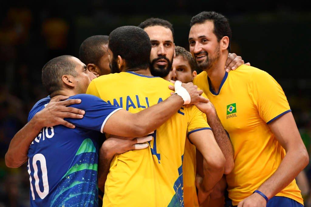 Olimpíadas: Seleção brasileira vira contra os EUA e respira no vôlei masculino
