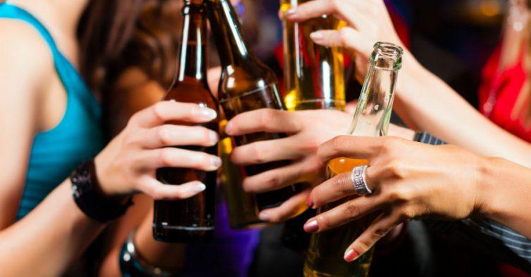Saude: Estudo alarmante culpa o álcool por sete cancros