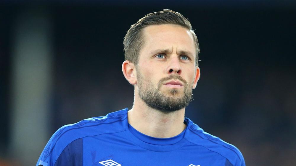 Premier League: Estrela islandesa  de Everton investigada por alegados crimes sexuais de crianças