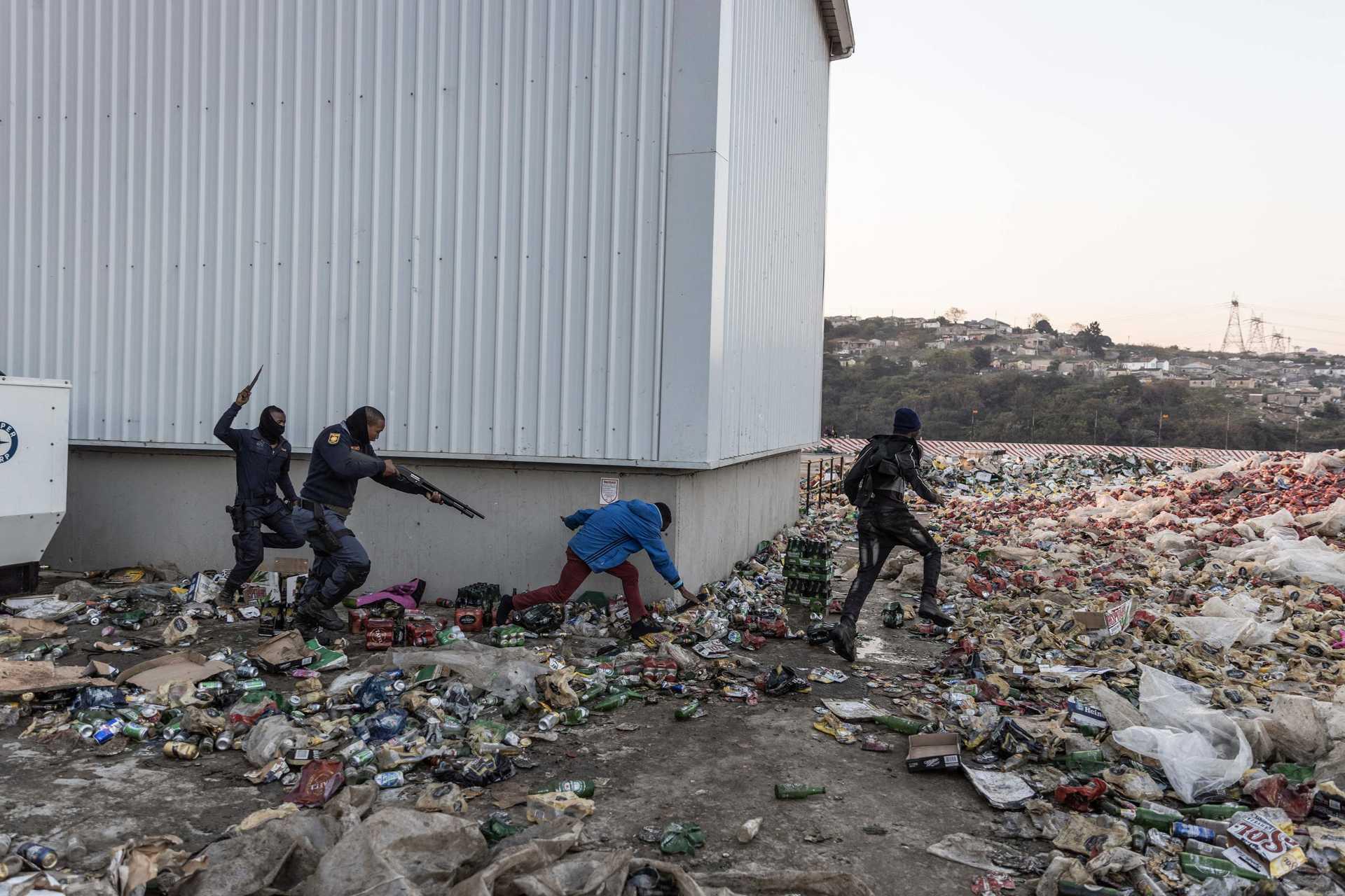 África do Sul: Mais de 3.400 detenções após tumultos e pilhagens