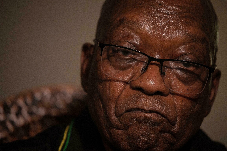 Sul África: Zuma é hospitalizado na África do Sul