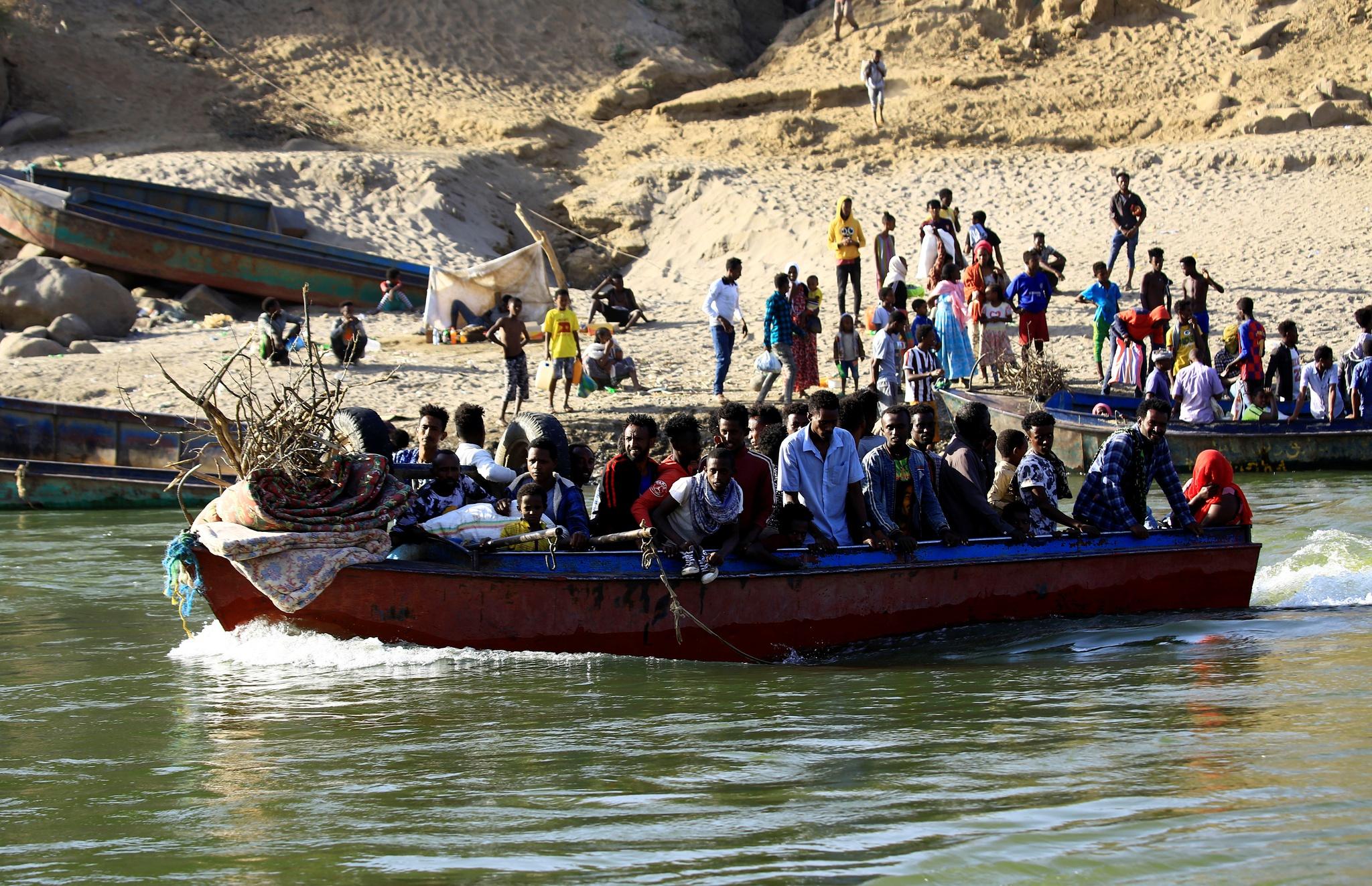 África: 30 corpos são encontrados flutuando em rio entre Sudão e Etiópia