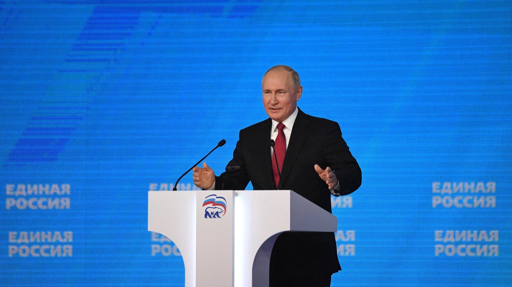 Europa: Vladimir Putin é acusado de tentar comprar votos