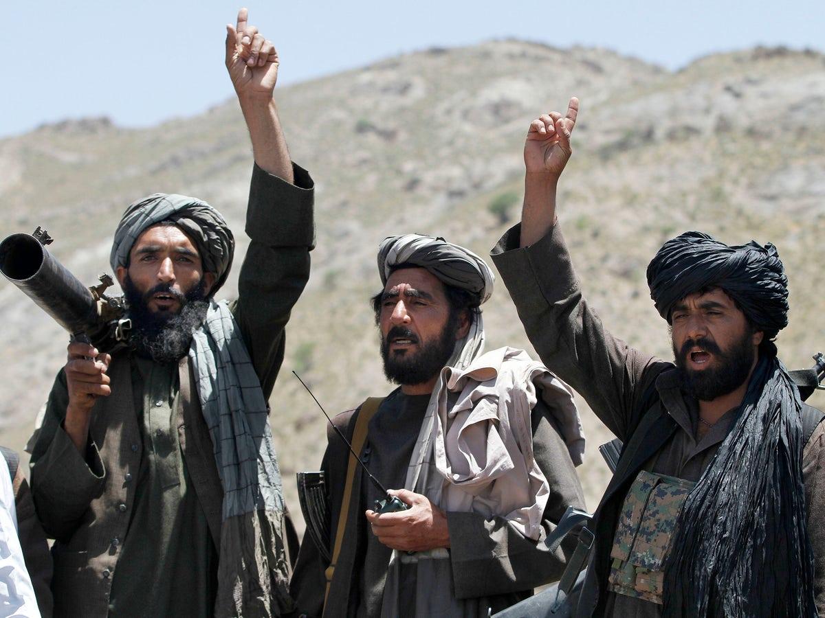 Medio Oriente: Como os talibãs derrubaram o governo afegão