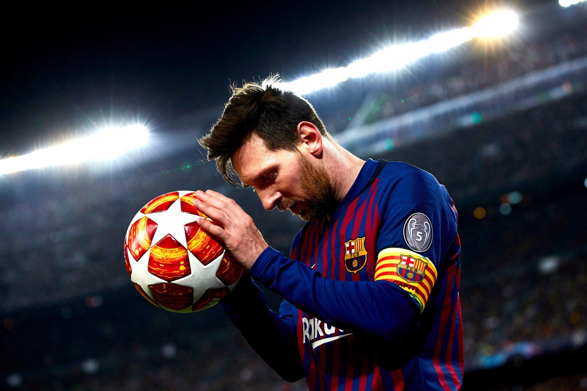 Desporto: Messi deixa Barcelona