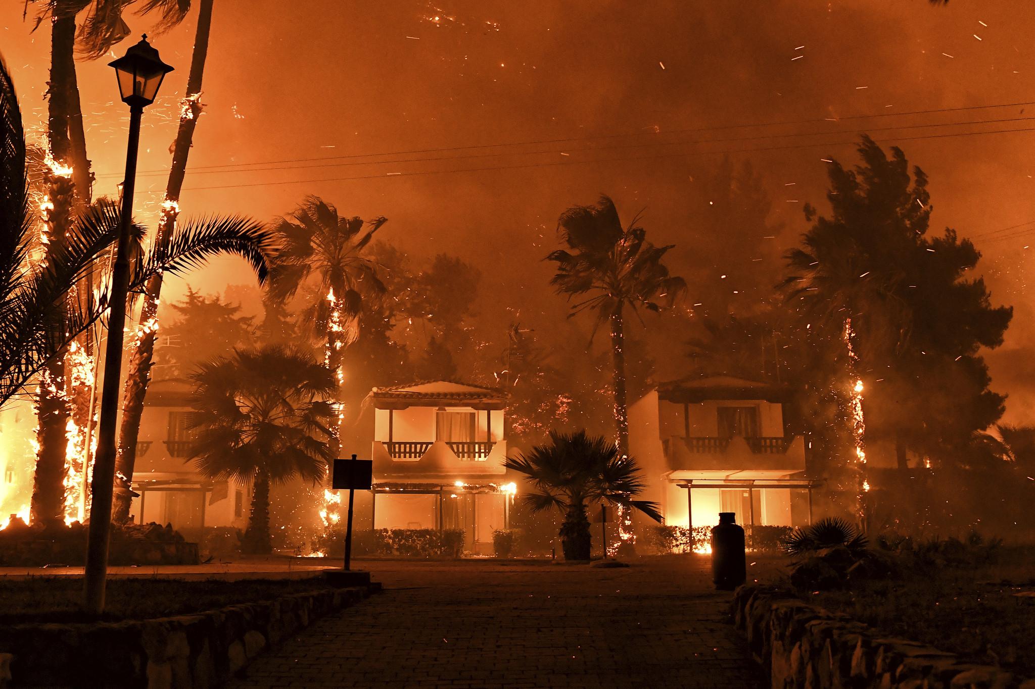 Europa: A intensidade dos incêndios estão aumentando na Grécia e na Turquia