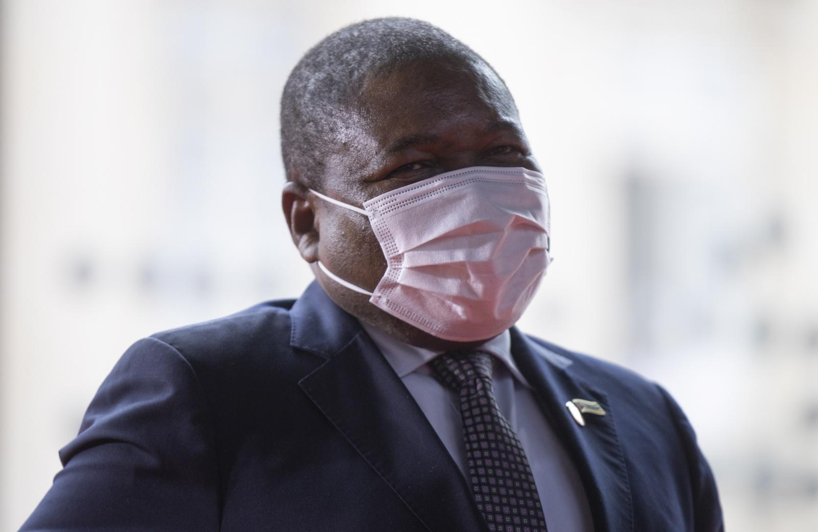 """Moçambique:  PR Nyusi diz que grupos armados perderam """"quase todos os espaços"""" que tinham conquistado"""
