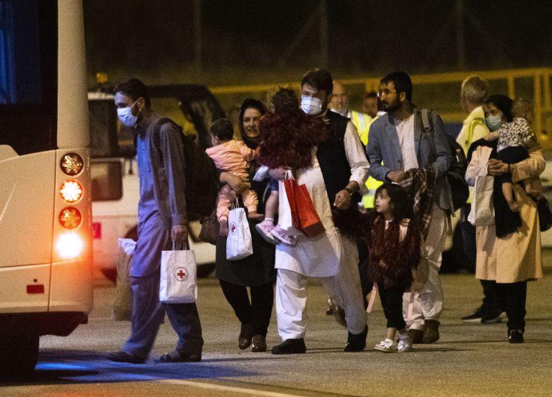 """UE/AFEGANISTÃO: UE promete combater """"migrações ilegais em larga escala"""" para evitar nova crise"""