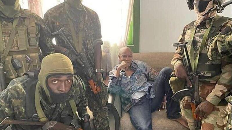 Guiné-Conacri: Militares fazem golpe de Estado e detêm presidente