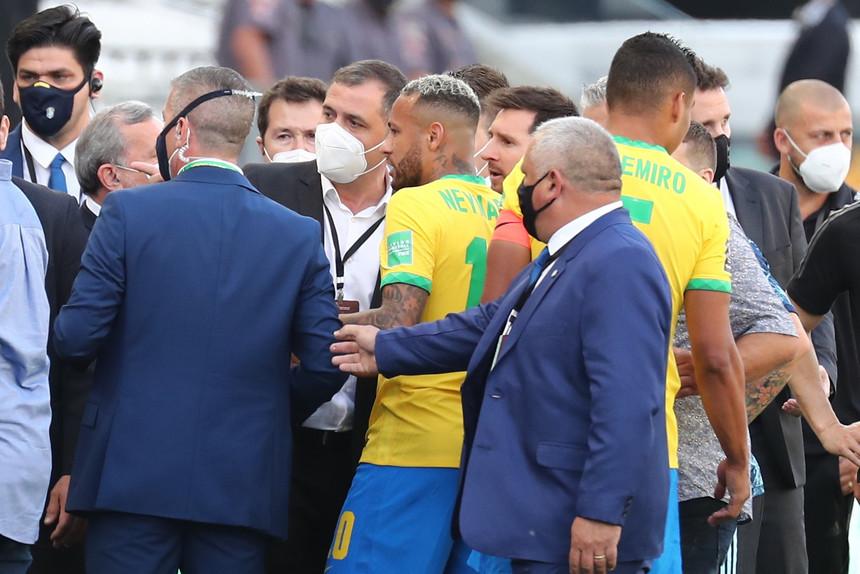 Futebol: Brasil – Argentina suspenso de forma insólita em São Paulo